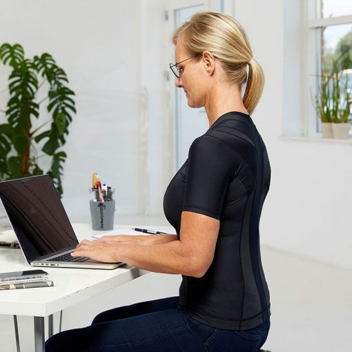 Women's-Posture-Shirt-CORE_Black_Side-sit